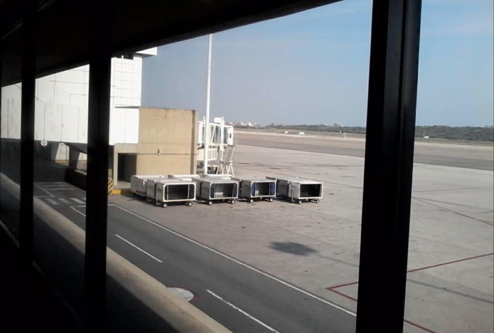 Resultado de imagen para cancelaciones aeropuerto caracas