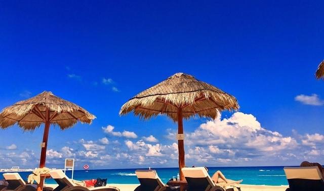 Regresa el turismo a Cancún tras perder 1.000 millones de dólares |  Noticias de turismo REPORTUR