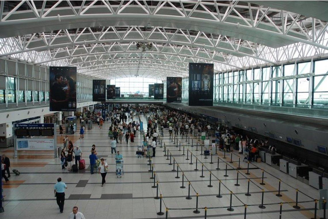 Evalúan cerrar Ezeiza a todos los vuelos internacionales | Noticias de  turismo REPORTUR